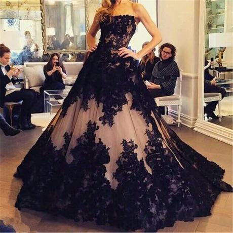 zwarte gothic trouwjurk